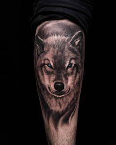 Resultado de imagem para wolf tattoo realistic