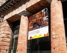 Pesaro Wine Festival - Realizzazione e montaggio banner all'ingresso.  #stampa #digitale #digital #print #montaggio #banner #pvc #allestimento #adigital #pesaro