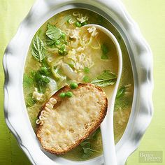 Spring Onion Alphabet Soup Sweet spring onions pair beautifully with lemon and basil in this simple soup. Sweet spring onions pair beautifully with lemon and basil in this simple soup. Healthy Spring Recipes, Healthy Dinner Recipes, Vegetarian Recipes, Healthy Foods, Bhg Recipes, Soup Recipes, Cooking Recipes, Bowl Of Soup, Soup And Salad