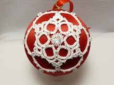 Tatted lace Christmas ornament ;)