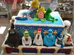 Id love a cake like this except with HP characters instead!