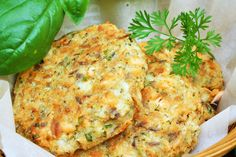 Croquettes de saumon Diet Recipes, Vegetarian Recipes, Cooking Recipes, Healthy Recipes, Quick Salmon Recipes, Oven Baked Salmon, Confort Food, Clean Eating, Healthy Eating