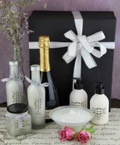 South Africa Snack & Gift Hampers for all occasions. Gift Hampers, South Africa, Champagne, Greeting Cards, Bath, Snacks, Flowers, Gifts, Gift Baskets