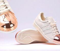 check out 0abca aed47 ¡Brilla con los nuevos Superstar de Adidas!