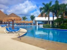 We can't get enough of this great fan photo from Dondra W. of the Sunscape Sabor Cozumel pool area!