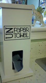 Un paper towel dispenser