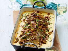 Mit ganz viel Soße oder köstlichem Gemüse: Unsere schönsten Rezepte für Fleischgerichte aus dem Ofen solltest du dir nicht entgehen lassen!