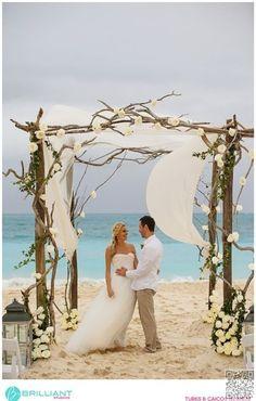 46. #Darling Driftwood - 53 #Wedding #Arches, Arbors and #Backdrops ... → Wedding #Hawaiian