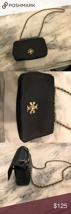 Tory Burch Purse Black Tory Burch Purse- worn only once....   Great condition, gold details Tory Burch Bags Crossbody Bags