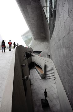 Guangzhou Opera House (2010) in Guangzhou, China, by Zaha Hadid Architects, photographed by trevor.patt.
