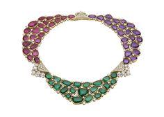 Le collier Mvsa de Bulgari http://www.vogue.fr/joaillerie/a-voir/diaporama/bijoux-haute-joaillerie-juillet-2014-biennale-des-antiquaires-2014-haute-couture-automne-hiver-2014-2015-fwc2014/19556/image/1035549#!collier-mvsa-bulgari-haute-joaillerie