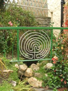 Cool! I'd put this in my garden. #labyrinths