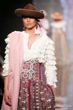 Amparo Maciá, Simof 2014 Mexican Hairstyles, Flamenco Costume, 2014 Fashion Trends, Spanish Fashion, Fashion Beauty, Womens Fashion, Nice Tops, Ruffles, Winter Outfits