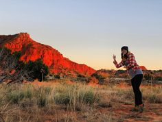 Desert-bound this weekend. Again. No I'm not flipping off the mountain. I would never.