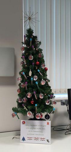 decoraciones-navideñas-en-los-hospitales-13.jpg (605×1287)