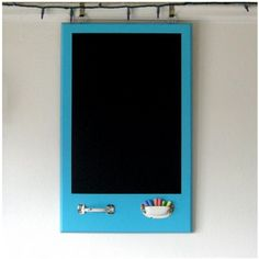 I make these all the time, but never thought of using a drawer pull upside down to hold the chalk!  Must try this soon!