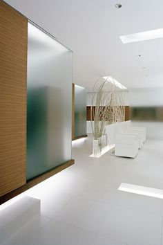 Mars the Salon, Tokyo, Japan designed by Curiosity | White & Natural Space | Modern Minimalist Interiors | Contemporary Decor Design #inspiration #nakedstyle