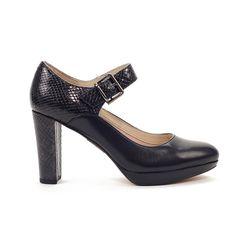 9fa0f5ae Zapatos de mujer para vestir · Mercedes combinado de piel lisa y piel  acabado pitón en talonera y tacón. Planta acolchada