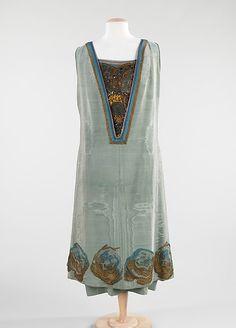 Evening dress Designer: Martial & Armand Date: 1924 Culture: French Medium: silk, metal Accession Number: 2009.300.216a, b