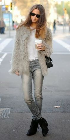 Women's Fashion, Ladies Streetstyle....Needs Necklaces and maybe some sort of hat or headband!!