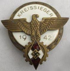 KREISSSIEGER 1942 HITLERJUGEND NSDAP BADGE GERMAN WW2 PRICE $49