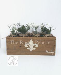 58.00 (L14xW6-1/2xH5)Rustic Planter Box - Cedar Wood -Reclaimed Wood -Barn Wood -Weddings -Rustic Weddings -Wedding Centerpiece -Home Decor -Country Decor -Home
