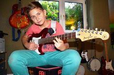 Gitarrenunterricht_Muenster_Gitarre_lernen_Gitarrenschule_Muenster_Gitarrist_Gitarrenlehrer