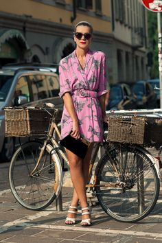 love this dress. if only it were practical to ride a bike like this all around town...