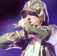 Listen to every Eminem track @ Iomoio Eminem Poster, Marshall Eminem, Eminem Slim Shady, Chicka Chicka, Rap God, Rap Battle, Maisie Williams, Day Of My Life, Rapper