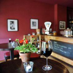Die moderne französische Brasserie mit gehobener Küche bietet die Klassiker der französischen Küche auf professionellem Niveau.