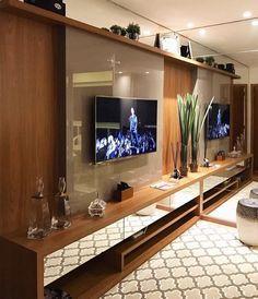 """863 curtidas, 22 comentários - Arquitetura de Interiores (@arq4home) no Instagram: """"Painel da TV com lâmina de madeira sobre painel fendi em laca. Detalhe para as gavetas em espelho +…"""""""
