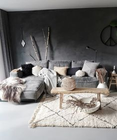 Perfect. via @huizedop #scandinavian #interior #homedecor #simplicity #whiteliving
