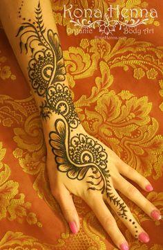 Organic Henna Products.  Professional Henna Studio. KonaHenna.com #hand