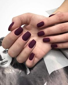 Winter nail trends 2019 – Lalá Noleto Winter nail trends in 2020 Burgundy Nails, Purple Nails, Pink Nails, Matte Maroon Nails, Burgundy Nail Designs, Oval Nails, Cute Acrylic Nails, Cute Nails, Pretty Nails
