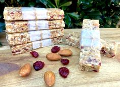 This cranberry, coconut power bars is our favourite museli bar to date. Nut fee so perfect for school lunch boxes and healthy mummy snacks. |