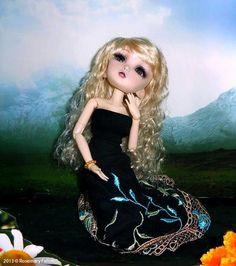 Laura - Custom 1/6 BJD / Doll Box - Wonderland Bjd Dolls, Disney Characters, Fictional Characters, Wonderland, Disney Princess, Box, Snare Drum, Boxes, Disney Princesses