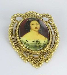Large Chevron Glass Lady Cameo Brooch Pin