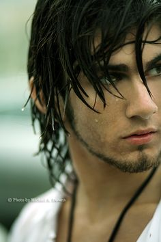 Uh, hello. Wow. I immediately have a flash to Will during the rain scene.... However, I am now going to write some hair on Damien's chinny, chin, chin because this IS him!
