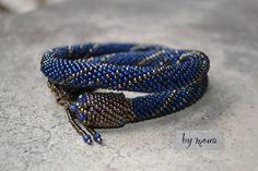 Collier en perles tissées au crochet par byMoua sur Etsy