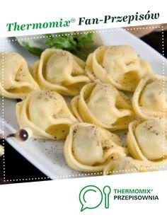Uszka do barszczu jest to przepis stworzony przez użytkownika Mixi. Ten przepis na Thermomix<sup>®</sup> znajdziesz w kategorii Dodatki na www.przepisownia.pl, społeczności Thermomix<sup>®</sup>. Vegetarian Recipes, Chicken, Meat, Dinner, Vegetables, Ethnic Recipes, Vegan Food, Image, Thermomix