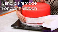 How to Use a Fondant Ribbon Fondant Tips, Fondant Cakes, Cupcake Cakes, Cupcake Tutorial, Fondant Tutorial, Cupcake Decorating Tips, Food Decorating, Ribbon Cake, Cake Youtube