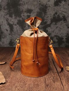 Green Bucket Bag Small Bucket Bag Drawstring Bucket Bag and 🛍️ Purses and Bags Small Leather Bag, Leather Purses, Leather Handbags, Soft Leather, Fendi Spy Bag, Leather Bags Handmade, Casual Bags, Small Bags, Small Purses
