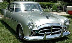 La Packard Pininfarina Coupe, cet ancien véhicule fut fabriqué en 1952.