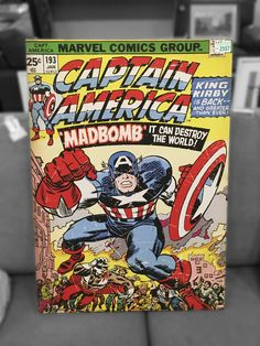 Buy Marvel: Jigsaw Puzzle - Captain America at Mighty Ape NZ. Fans of the Marvel universe will feel like a superhero after completing this Captain America Cover Puzzle! Captain America Comic, Spiderman, Batman, Marvel Comic Books, Comic Book Characters, Iron Man, Comic Poster, Poster Marvel, Comic Art