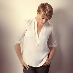 Love Clare Balding, great soul, beautiful writer and someone you'd just like to drink wine and eat with. Clare Balding, Celebs, Celebrities, We The People, New Day, Role Models, Style Icons, Lgbt, Diva