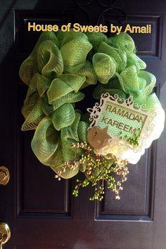 DIY Ramadan Wreath  Facebook: House of Sweets by Amali  IG: amalicupcakedoc   Houseofsweetsbyamali@gmail.com