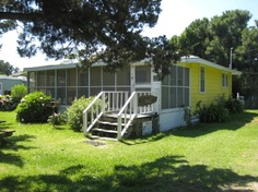 Rellas a 2 Bedroom  Rental House in Ocracoke, part of the Ocracoke Island of North Carolina.. Pet Friendly. Non-Smoking.