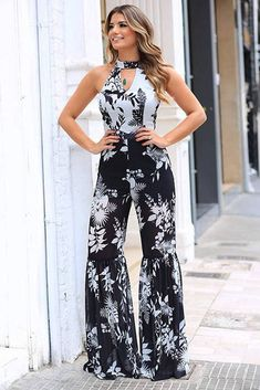 Macacão crepe estampa bic 9C2550EST Dress Outfits, Jumpsuit Outfit, Chic Outfits, Fall Outfits, Fashion Outfits, Gorgeous Women, Amazing Women, Kinds Of Clothes, Clothes For Women