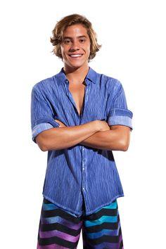 Conheça os personagens de Juacas, a nova série do Disney Channel | Capricho Series Da Disney, Beach Photos, Beautiful Boys, Teen Fashion, Crushes, Mens Tops, Hinata, Tiffany, Facebook