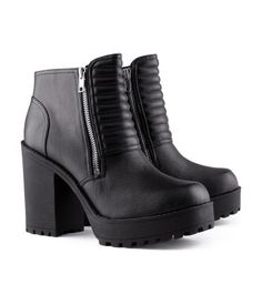 H&M black boots 2013 Black Platform Boots, Black Heel Boots, High Heel Boots, Heeled Boots, Ankle Boots, Platform Shoes, Clothing Apps, Chunky Boots, Chunky Heels
